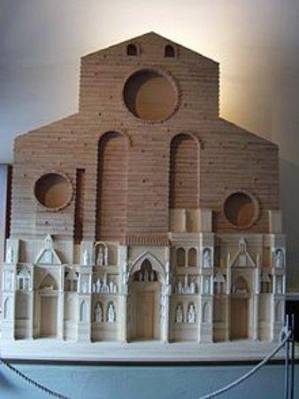 Colle di Val d'Elsa, Italy: Santa Maria del fiore Firenze  Ricostruzione facciata arnolfiana