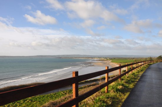 Bunmahon, Ierland: Greenway_view of Clonea