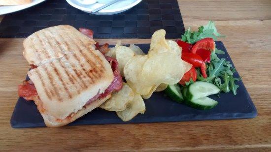 Leyburn, UK: Well presented bacon on Ciabatta