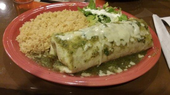 Morganton, Северная Каролина: Tepetongo burrito and rice.