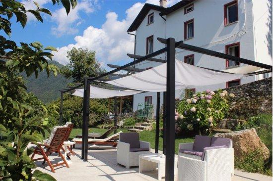 Molina di Faggeto Lario, Italy: patio