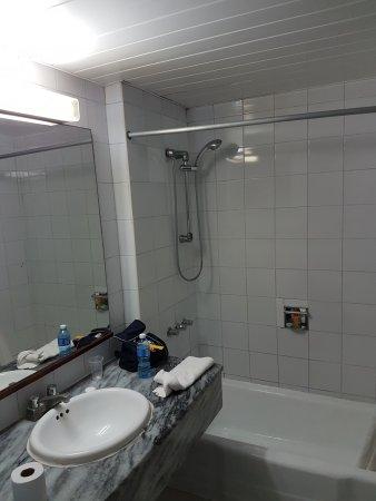 Gran Caribe Club Atlantico: Bathroom April 2017