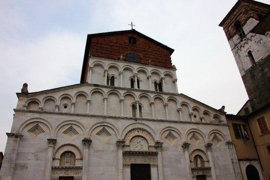 Santa Maria Foris portam : Fassade