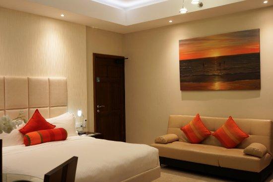 Grand Room (251501146)