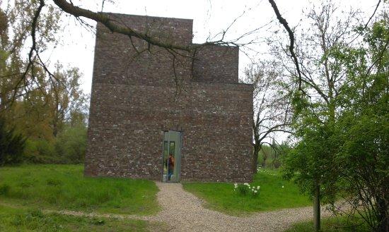 Neuss, Germania: nogmaals het eerste gebouw op het Insel.