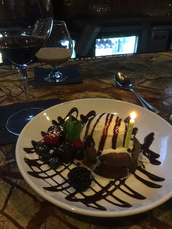 Quincy, MA: Was surprised with a birthday dessert!