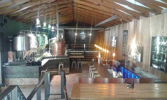 Klapmuts, South Africa: Micro brewery on site at Anura