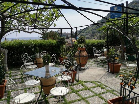 B&B Villa Schiticchiu - Taormina - Sicily - giardino - orto ...