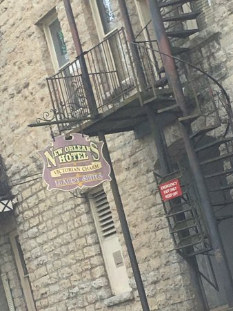 The New Orleans Hotel: photo0.jpg