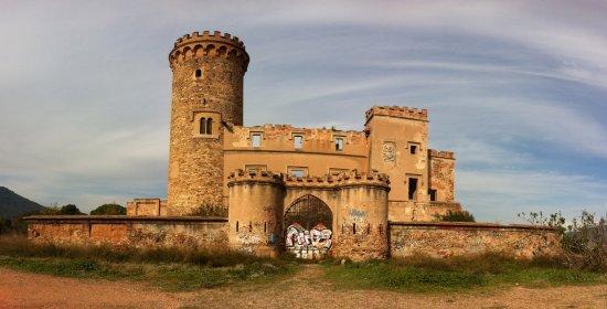 Seitenansicht der Ruine Castillo Torre Salvana - Picture of Castillo ... 1903c3111828