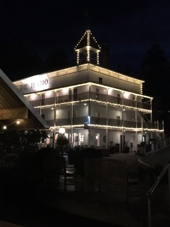 Roche Harbor Resort: The main hotel at night