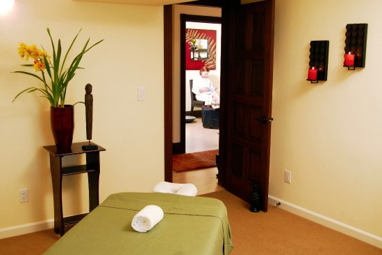 West Sonoma Inn & Spa: Treat yourself to a day at our spa; you deserve it!