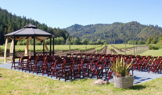 West Sonoma Inn & Spa: Gazebo wedding
