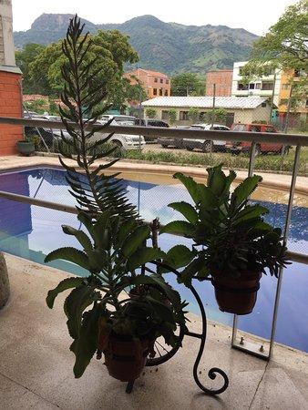 La Pintada, Колумбия: Piscina hotel Calamarú