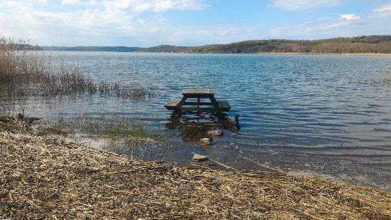 Durusu Metra Club: Durusu park göl kenarı