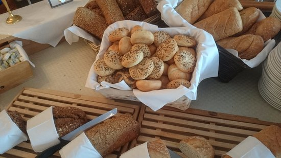 Ulvik Municipality, النرويج: Fresh baked bread for Breakfast