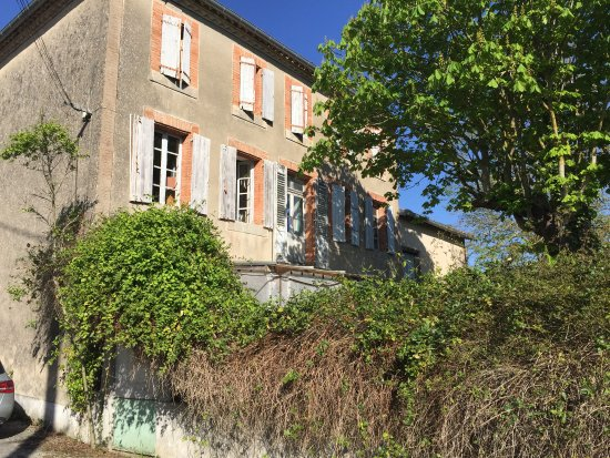 Revel, Γαλλία: Backside