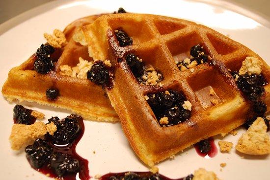 Manningtree, UK: Waffles at The Haywain
