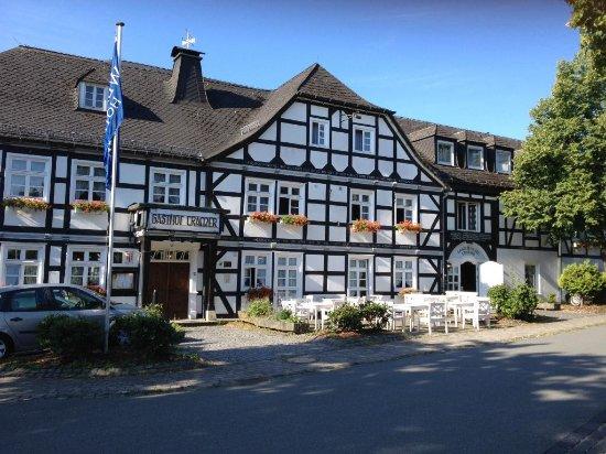 Warstein, Germany: Gutbürgerliche Küche, preislich etwas zu hoch, aber netter uriger Service