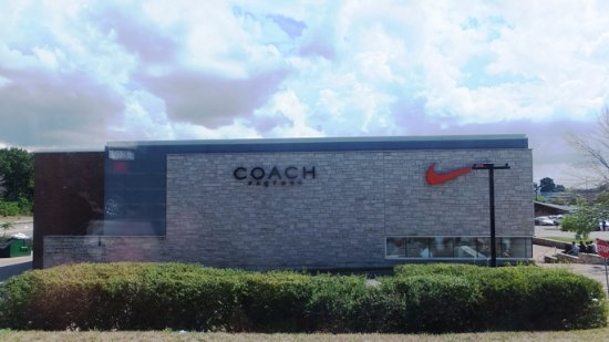 coach canada outlet z2xq  Canada One Factory Outlet Mall: CO2