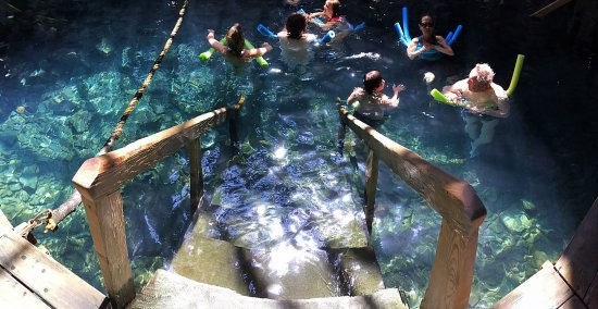Jefferson Pools: Water was perfect temperature, the whole experience was amazing and I love the rustic bath house