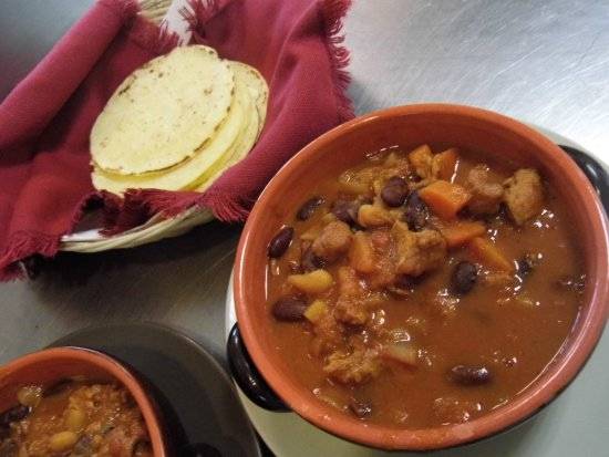 Insoljto: e la fine del viaggio, un Tex-Mex chili sin carne accompagnato dalle immancabili tortillas di ma