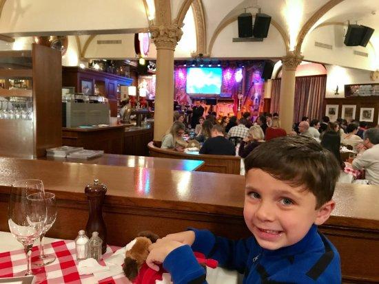 Stadtkeller Swiss Folklore Restaurant: photo0.jpg