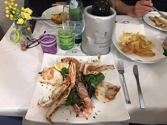 Grigliata Di Pesce Concessione Token Italia Foto Di Ristorante