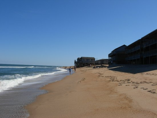 Cape Hatteras Motel: Looking South