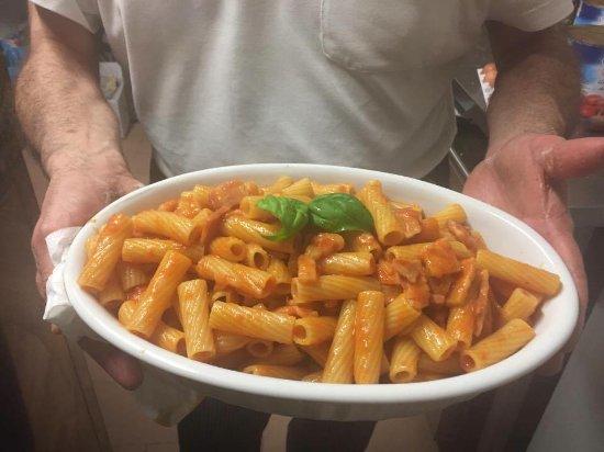 Puos d'Alpago, Italy: tortiglioni all'amatriciana