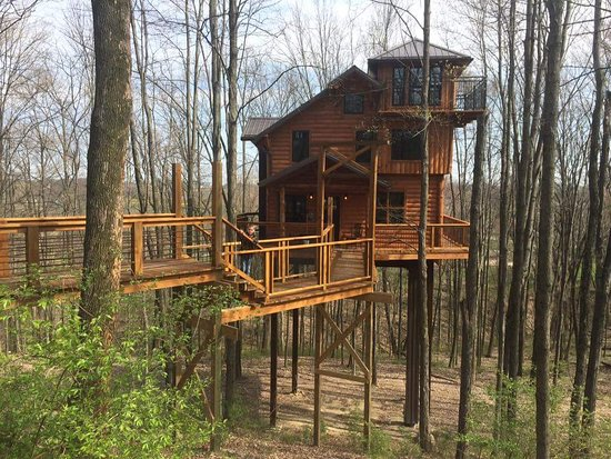 Entrance - Picture of Berlin Woods Treehouses - Amish Country ...