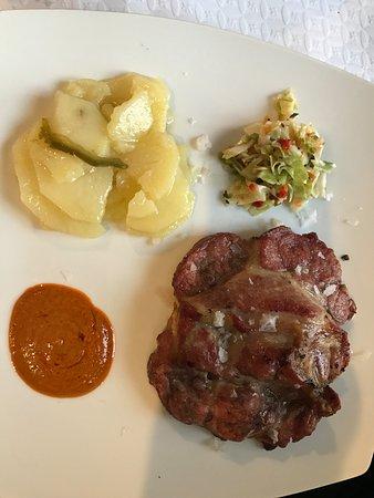 Alcala del Valle, Spanien: Churrasco de cerdo , excelentemente cocinado