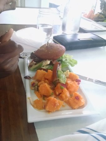 Avon by the Sea, NJ: The Know Better Angus Burger with Sweet potatoe salad