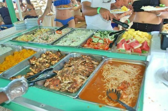 Bayahíbe, República Dominicana: Rich buffet in Saona