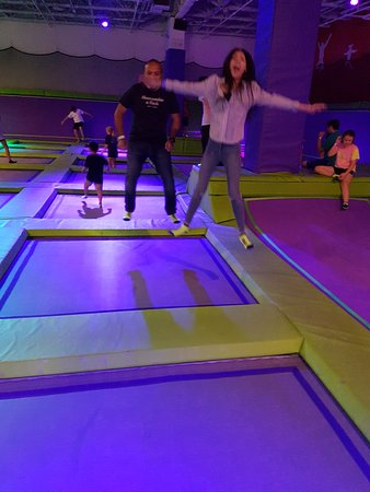 Leesburg, VA: Atomic Trampoline in the Village