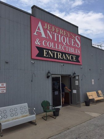‪Jeffrey's Antique Gallery‬