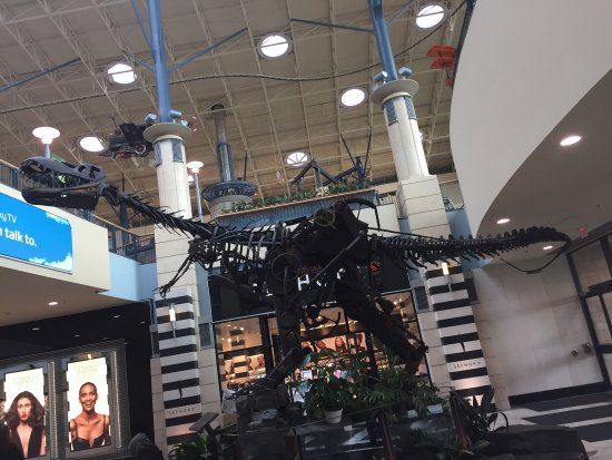 Photo0 Jpg Picture Of Cf Chinook Centre Calgary