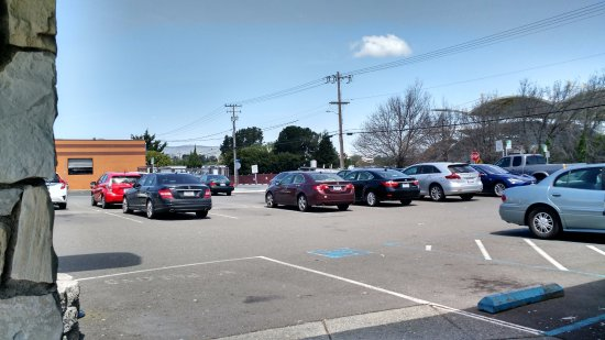 Millbrae, CA: Parking lot