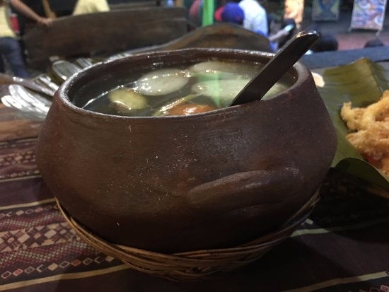Davao City, Philippines: Pork Sinigang-- it lacked sourness, in my opinion.