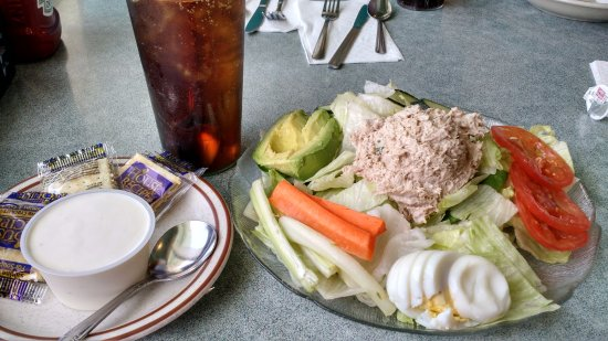 Millbrae, Californien: Tuna salad with blue cheese dressing
