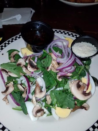 Ashland, VA: Custom spinach Salad with dressing on the side