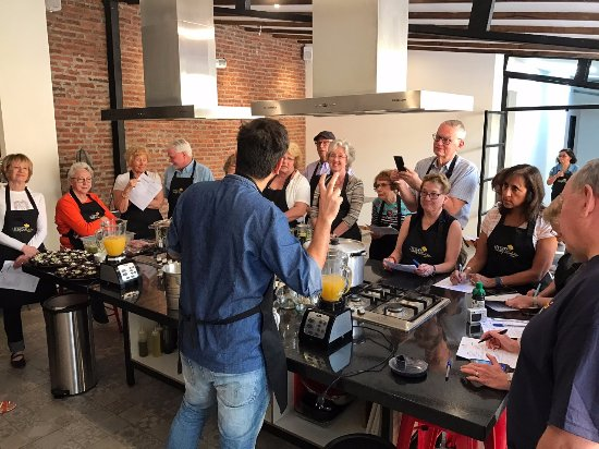 Uncorked Wine Tours: A culinary class at their cooking school