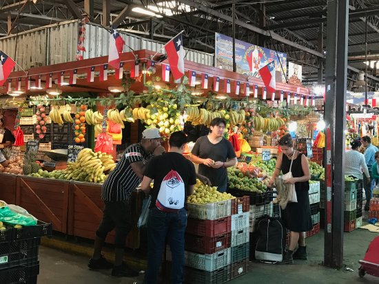 Uncorked Wine Tours: Tour of a market in Santiago