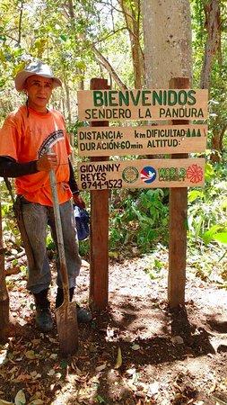 Chira Island, كوستاريكا: Sendero La Pandura: 84 msnm, intermedio, 60 min, 8744-9523
