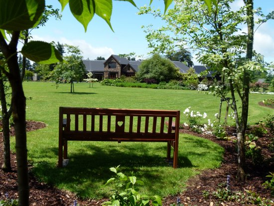 Hadleigh Boutique Lodge, set in 5 acres of tranquil grounds just 8 minutes from the Hamilton CBD