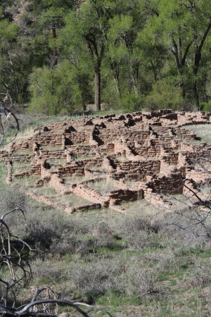 Bandelier National Monument: Looking down on the valley village