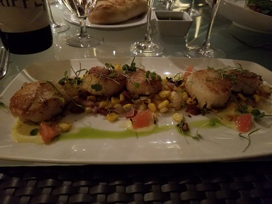 Pulehu: Again, scallops (another seafood entre) beyond expectations.