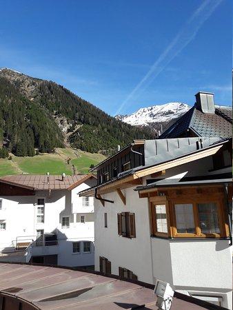 Hotel Schlosshof Ischgl: 20170412_092412_large.jpg