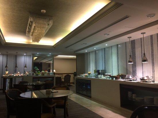 Marco Polo Davao: Continental Club Lounge
