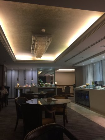 Marco Polo Davao: Continental Club Lounge